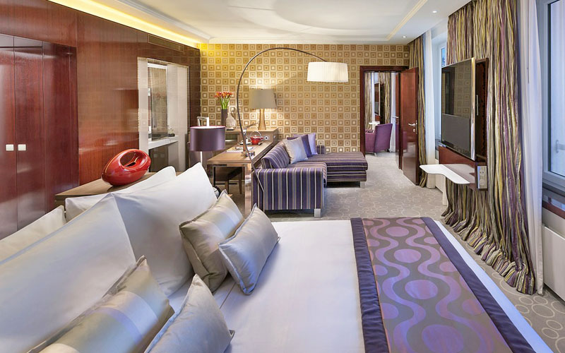 London hotel guide from luxury hotels to budget hotels for Luxury hotel guide